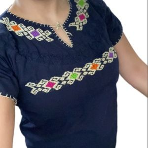 Women's L/XL Mexican Embroidered Blouse Hand Made